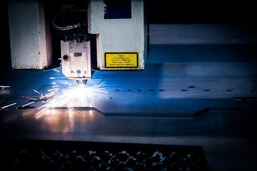 Opis taniego cięcia plexi laserem