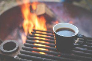 Odpoczynek na działce – funkcjonalny grill
