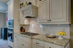 Co trzeba wiedzieć przy zakupie mebli do kuchni?