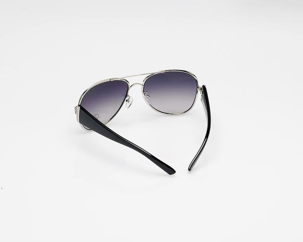 Modne okulary przeciwsłoneczne dla pań